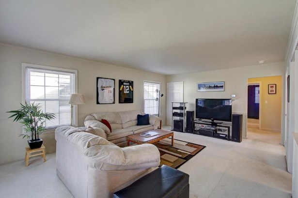 Spacious Living Room (photo 3)