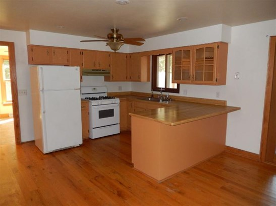 Appliances included / Kitchen (photo 4)