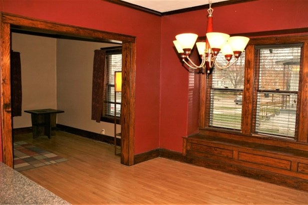 Dining Room with Window Seat (photo 4)