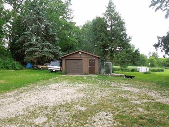 Detached 16x20 Garage (photo 4)