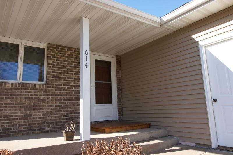 Private 2 BR duplex condo (photo 1)