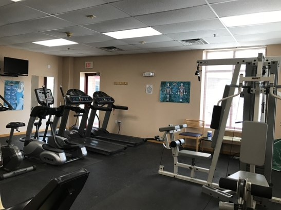 Fitness Area (photo 4)