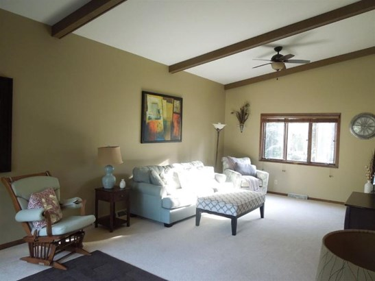 Living Room/Great Room (photo 4)