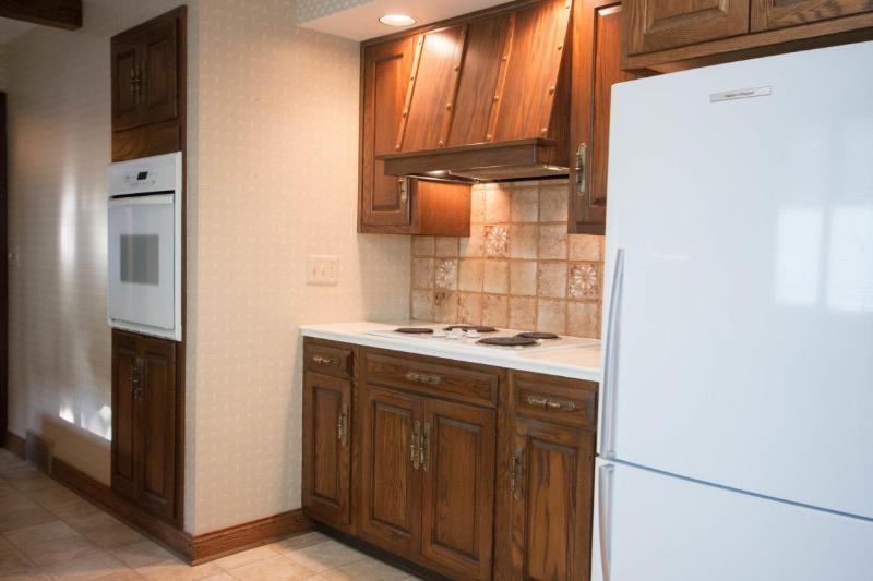 Kitchen view 3 (photo 5)