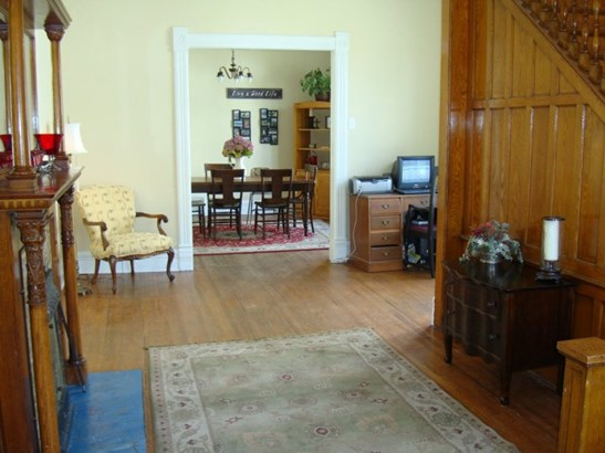 Front Foyer (photo 4)