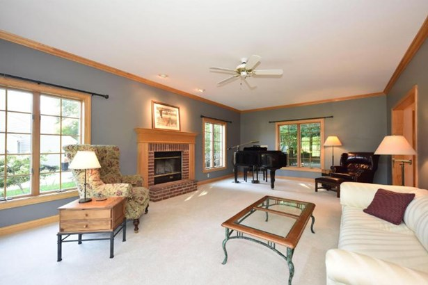 Great Room  with fireplace (photo 3)