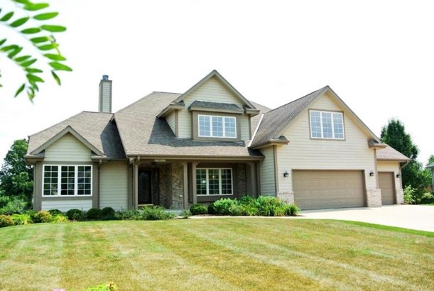 W126N6432 Willow CT