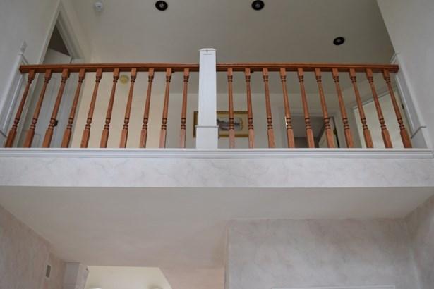 View to Upstairs Hallway Overlook (photo 4)