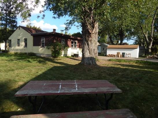 Backyard (photo 5)