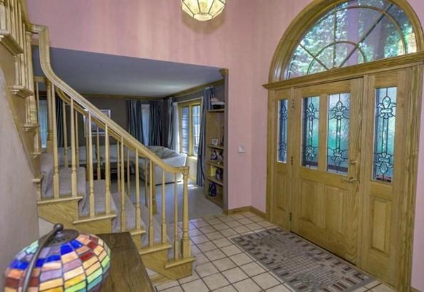 Inviting Foyer (photo 2)