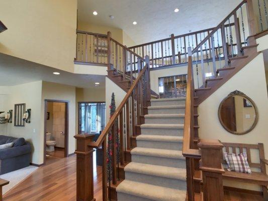 Stairway (photo 3)