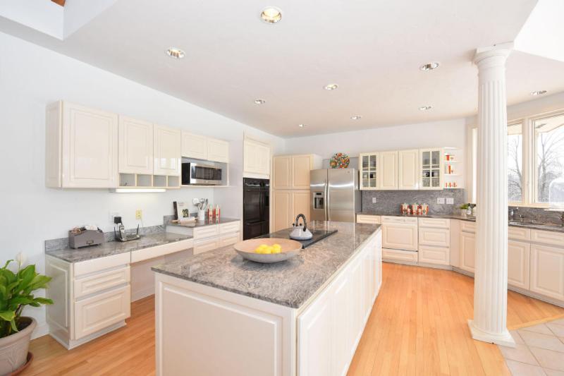 Custom Kitchen (photo 3)