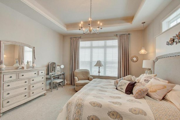 Master Bedroom (photo 2)