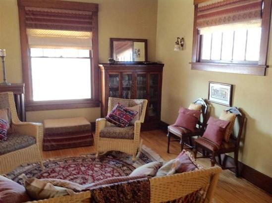Original hardwood floors / Ori (photo 4)