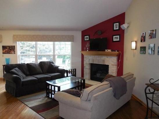 Great Room with hardwood flooring (photo 2)