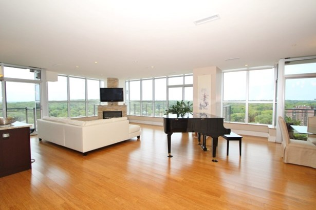 Open Floor Plan (photo 1)