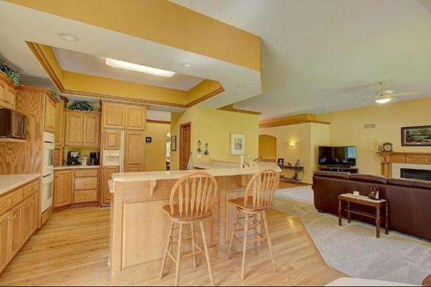 Kitchen 1 (photo 4)