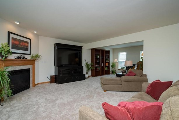 Family Room/Living (photo 3)