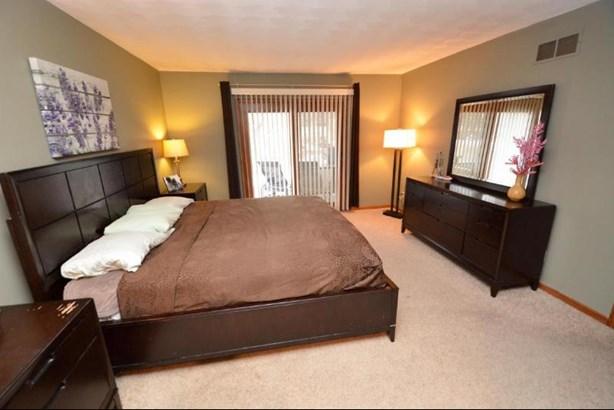 Master Bedroom (photo 3)