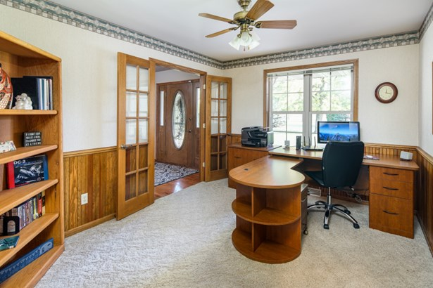 Den or Office (photo 3)