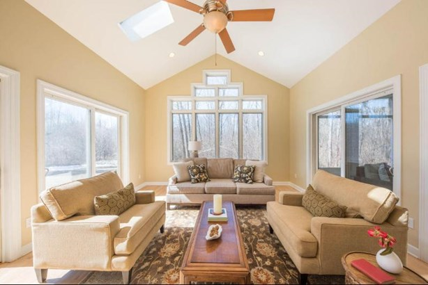 Bright vaulted family room (photo 5)