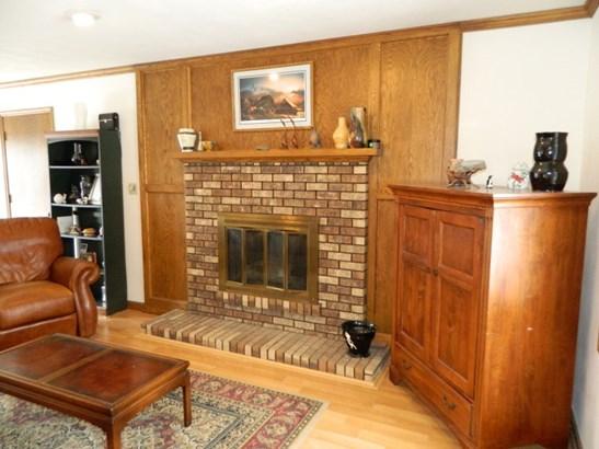 Main Floor Family Room (photo 4)