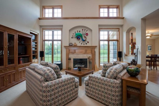 2-Story Great Room (photo 4)