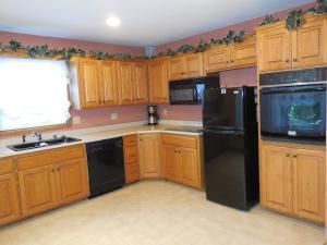 Kitchen #2 (photo 4)