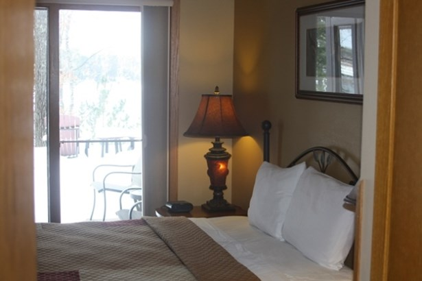 Bedroom Walkout (photo 5)