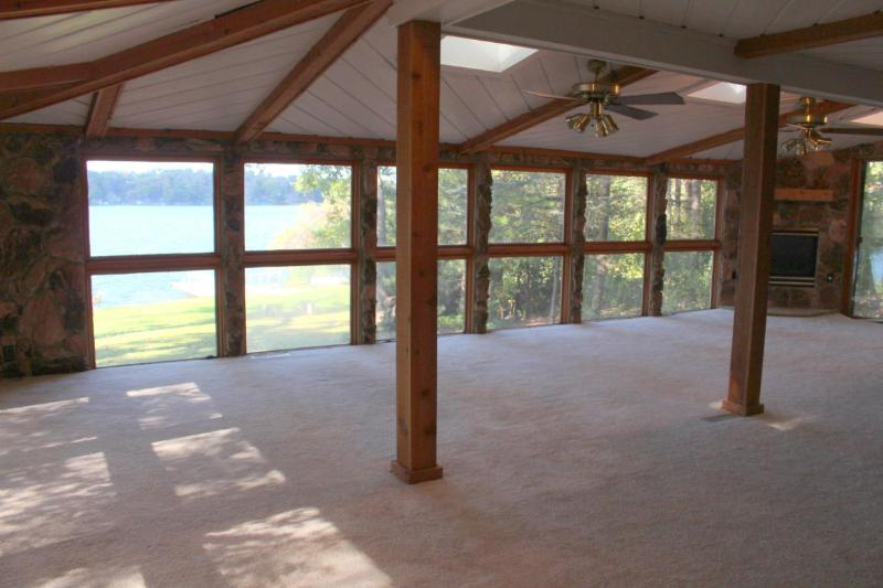 Great Room with Fantastic Lake Views! (photo 3)