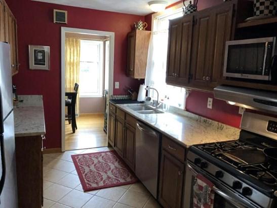 Galley Kitchen (photo 4)