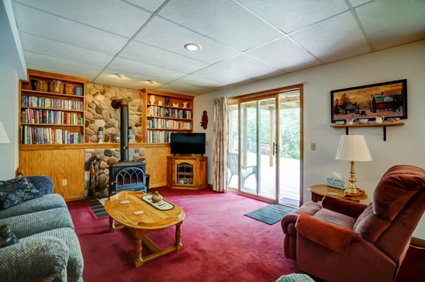 Rec Room (photo 5)