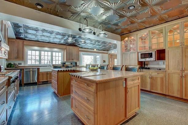 Chef's kitchen (photo 4)