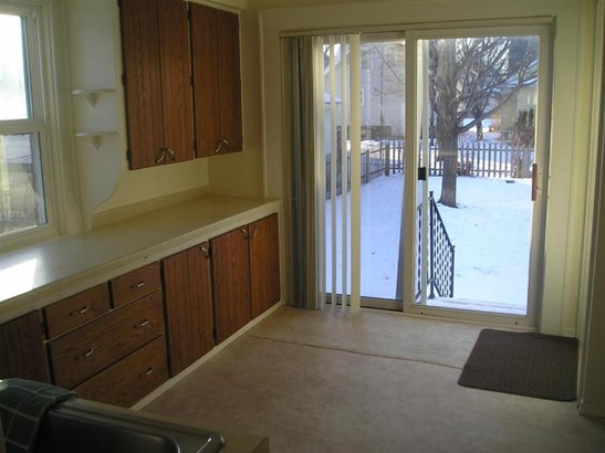 PATIO DOOR TO FENCED BACK YARD (photo 5)