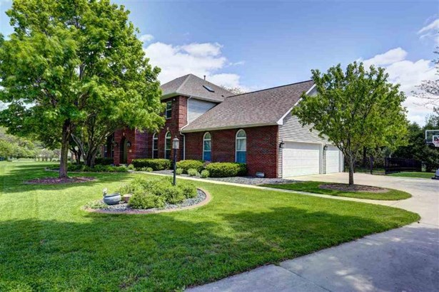 Welcome to 993 Prairie View Ct (photo 1)