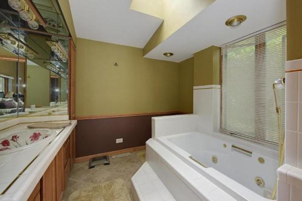 Master Bath (photo 5)