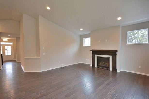 Great Room & Foyer (photo 3)