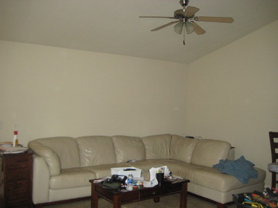 Sofa (photo 4)