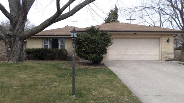 10322 W Burleigh - Front view (photo 1)