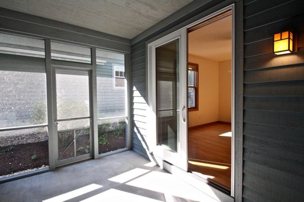 Screened In Porch (photo 5)