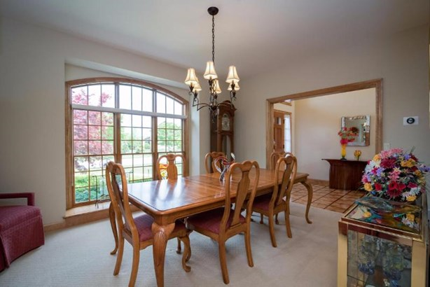 Spacious & Bright Formal Dining Room (photo 3)
