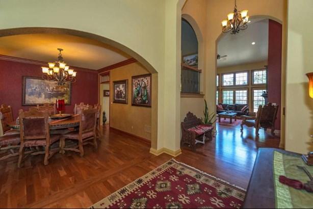 Entrance Foyer (photo 3)