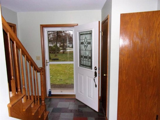 Has slate floors / Foyer (photo 3)
