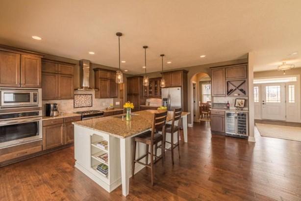 Spacious Kitchen (photo 3)