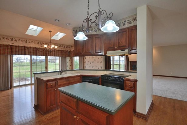 Open Concept Kitchen with Island (photo 3)