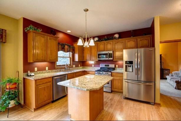 Granite Kitchen (photo 5)