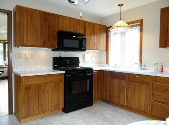 Kitchen Range Included (photo 5)