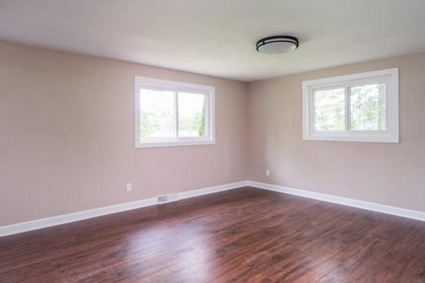 Main Floor Bedroom or Office/Flex Room (photo 5)