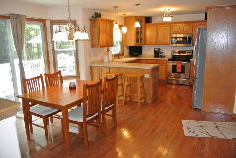 Dinette & Kitchen (photo 4)