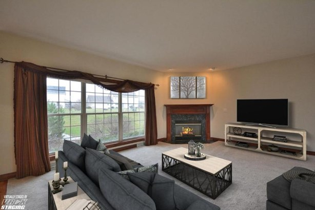 Family Room with Gas Fireplace (photo 3)